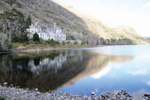 Kylemore Abbey in Connemara, formerly a girls' school that closed in 2010, signed an agreement last year with the Catholic University of Notre Dame in Indiana, for mutual cooperation on an educational mission at Kylemore.